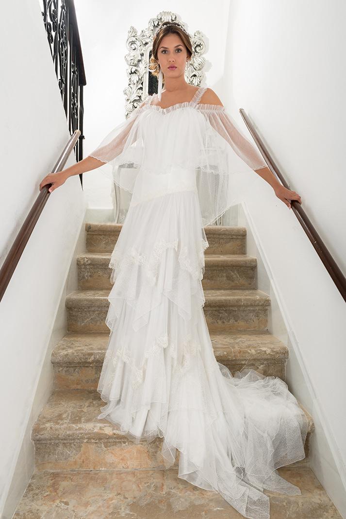 aurora. trajes de boda, fiesta y flamenca.
